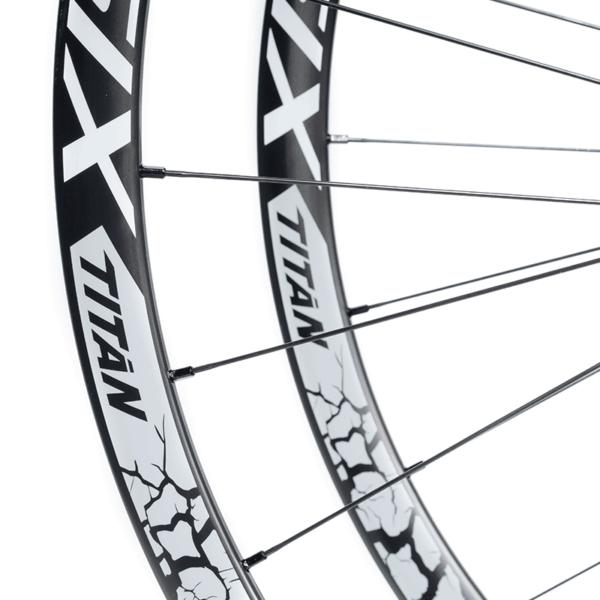 detalhe rodas carbono mtb 29 speedsix titan grey